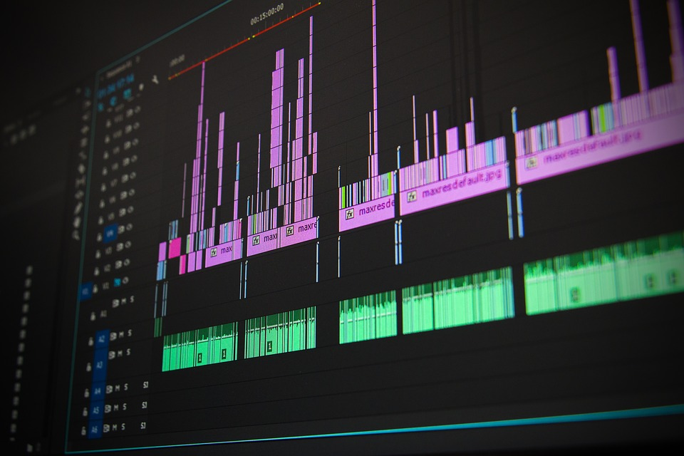 pós produçao video 14 Conselhos de Produção de Vídeo para aumentar a Qualidade das Suas Produções  14 Conselhos de Produção de Vídeo para aumentar a Qualidade das Suas Produções editing 1141505 960 720