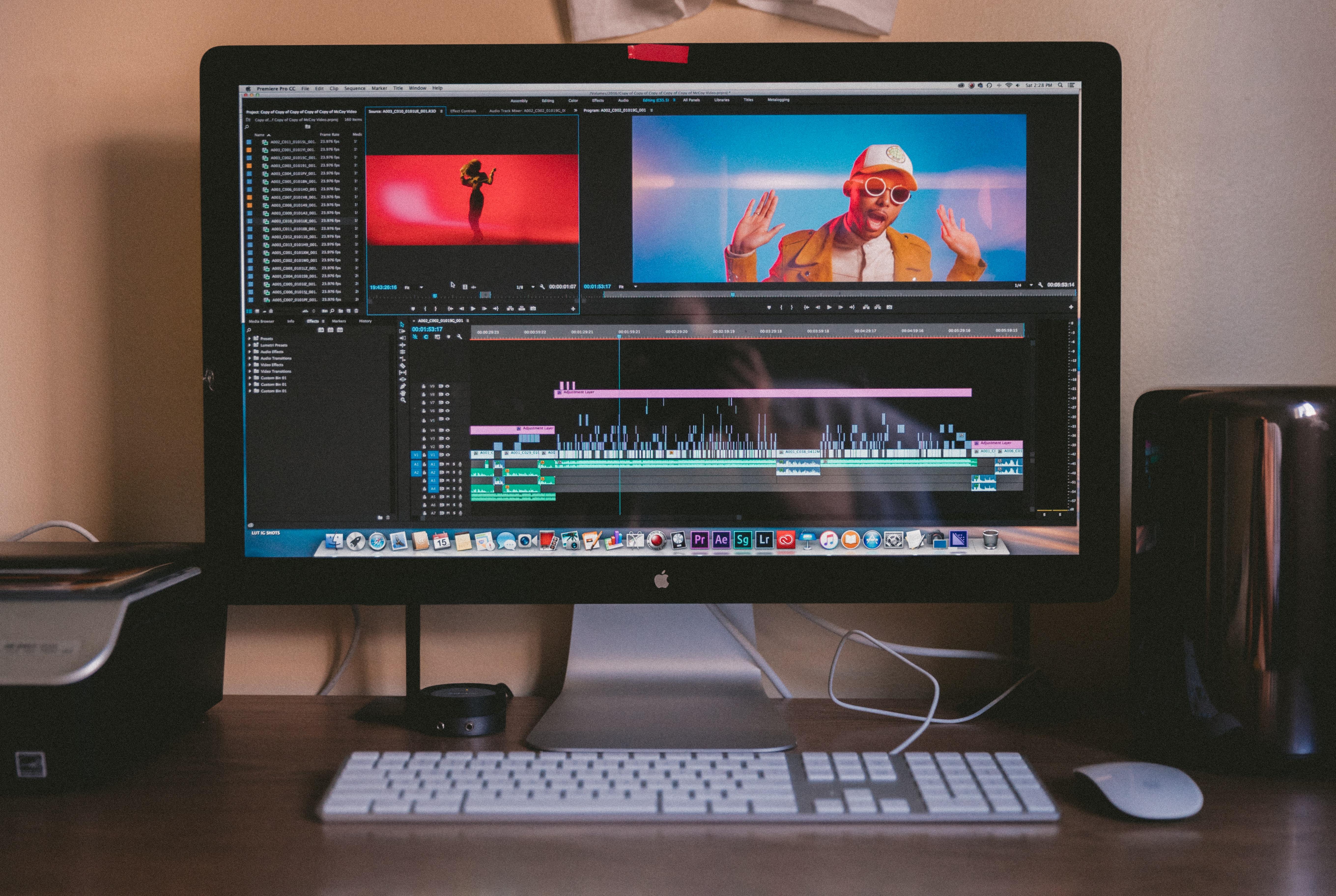 Como escolher um software de edição video  - jakob owens mQxttWjHFjA unsplash - Como escolher um software de edição video